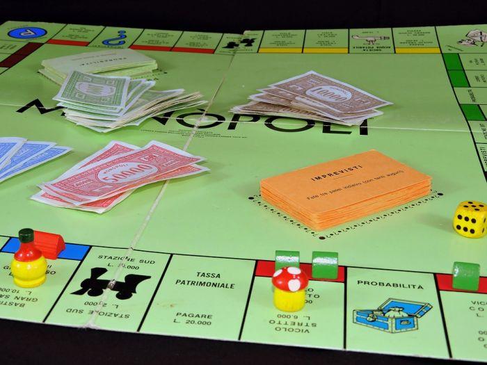 Игра «Монополия с банковскими карточками»