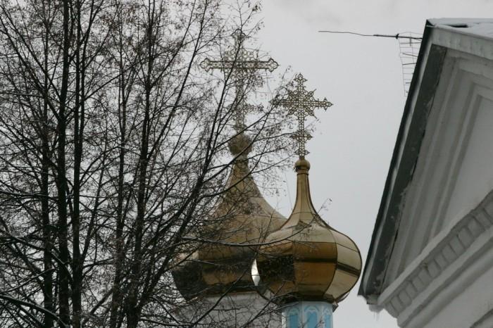 В Слободском освятили новый купол храма