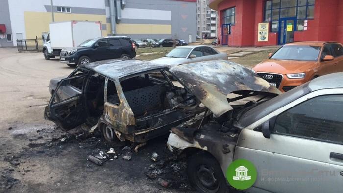 Полицейские задержали кировчанку, подозреваемую в поджоге авто в Чистых Прудах