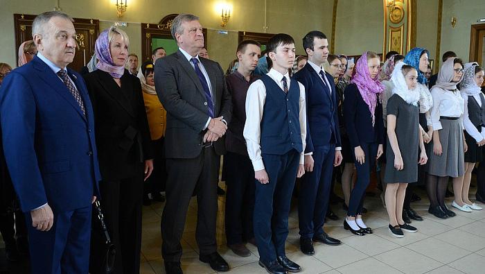 Кировских школьников наградили премиями за хорошую учебу