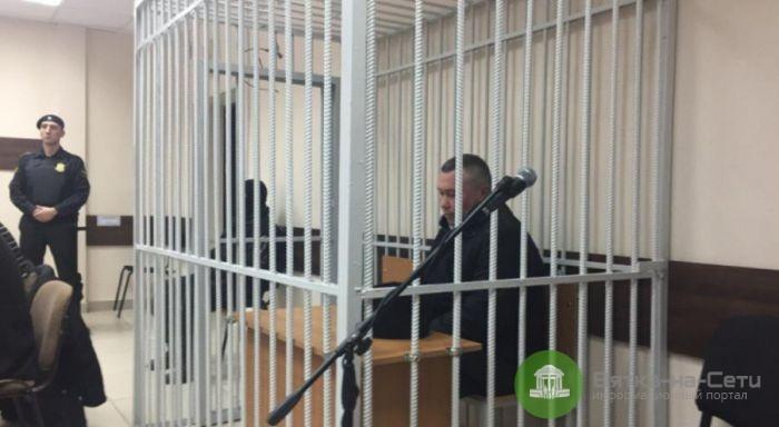 """Экс-начальника кировского УГИБДД судят по делу о """"КамАЗах"""""""