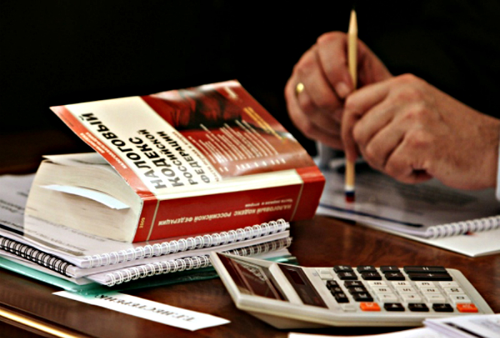 Директора ЗАО «Химсинтез» подозревают в уклонении от уплаты налогов