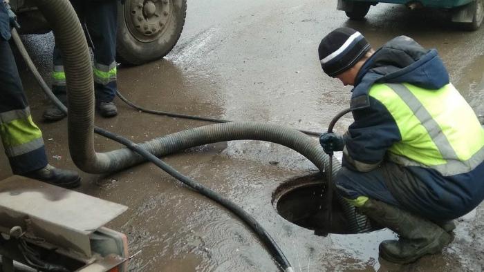 После снегопада «ливневку» в Кирове вновь расчистят в проблемных местах