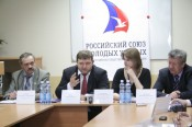 Губернатор Никита Белых наградил молодых специалистов