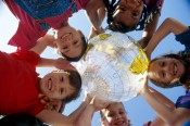 Маленьким кировчанам покажут «Оранжевое лето»