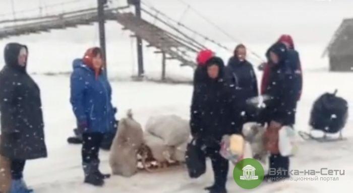 В Афанасьевском районе машина приезжает за мусором раз в месяц