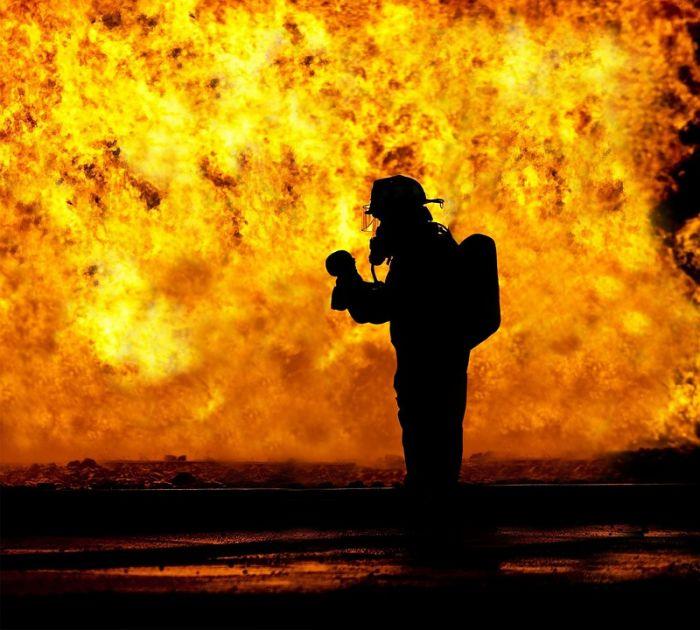 Железнодорожник в свой выходной день спас людей из огня
