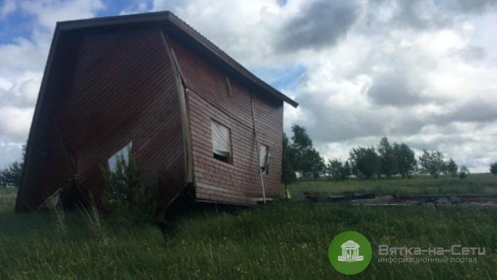 В Кировской области дом сдуло ветром