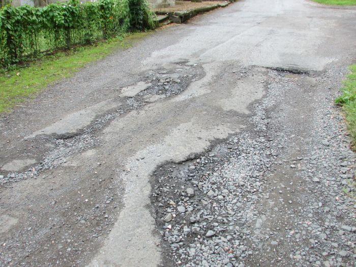 В КСП считают, что в ближайшее время состояние дорог области не улучшится