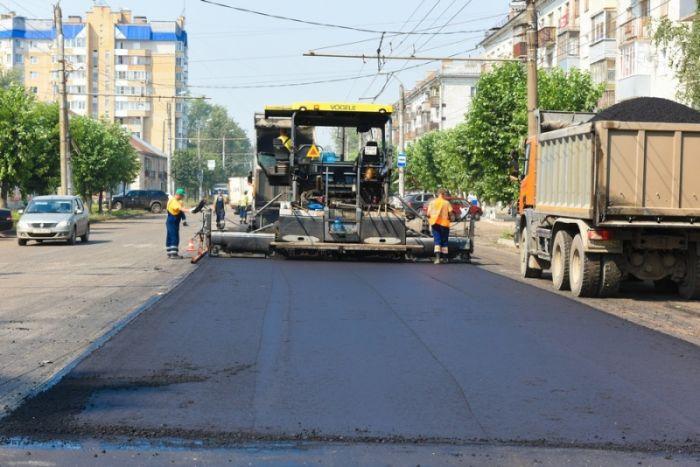 Сегодня ремонт ведется на 12 улицах города