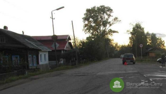 В Шабалинском районе женщина с коляской попала под колеса авто