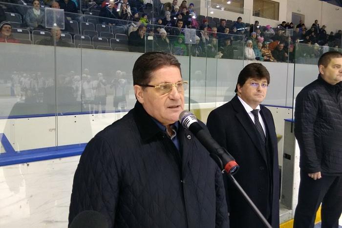 Двукратный Олимпийский чемпион открыл хоккейный турнир в Кирово-Чепецке