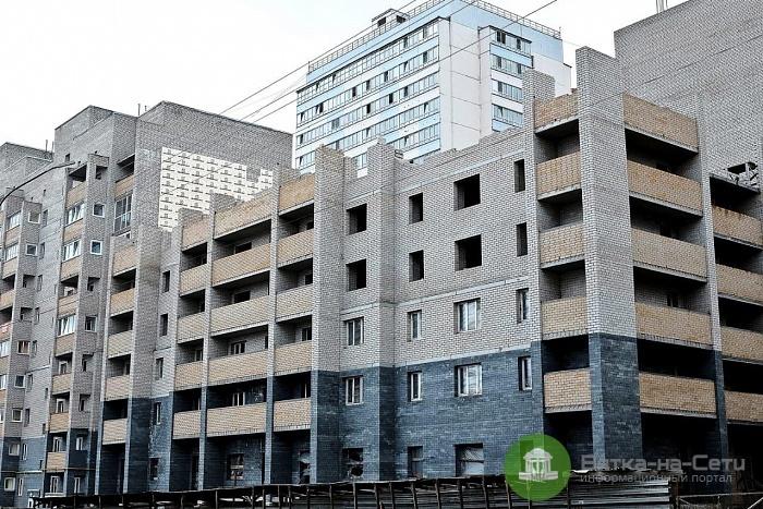 В Кирове возобновили строительство проблемного дома на Пугачева