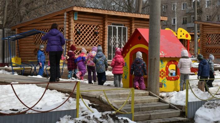 В детсадах Кирова территории проверяют 2 раза в день
