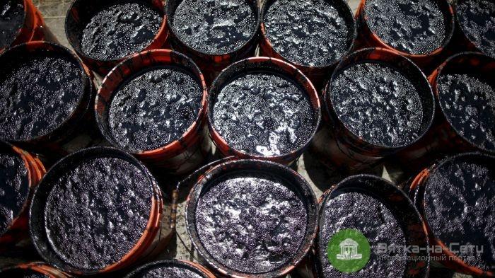 16,2 доллара за баррель. Стоимость нефти марки URLS в пятницу снижалась до наименьшего уровня с июня 1999 года