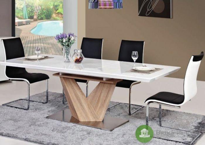 Характеристики деревянных и стеклянных столов