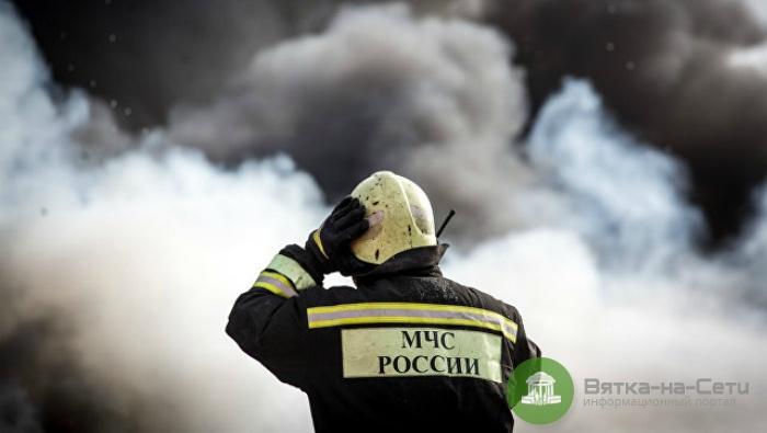 В Кирове при пожаре в доме на улице Сурикова погибли два человека