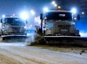 Ночная очистка улиц от снега продолжается