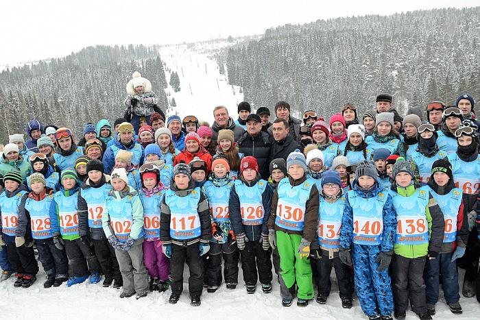 Игорь Васильев поздравил победителей соревнований по горнолыжному спорту