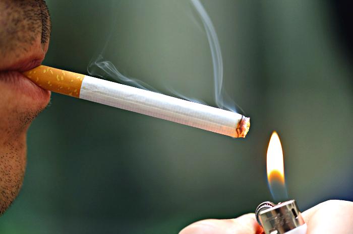 За последний год 30% опрошенных жителей области смогли бросить курить