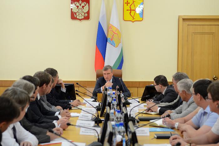 Игорь Васильев провел первое рабочее заседание в качестве губернатора Кировской области