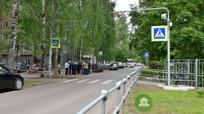 Около кировских школ обустроят новые пешеходные переходы