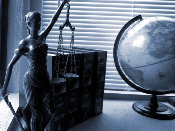 Отличия отрасли юридических услуг в России и США