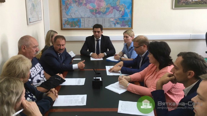 В минстрое обсудили завершение строительства слободы Новое Сергеево