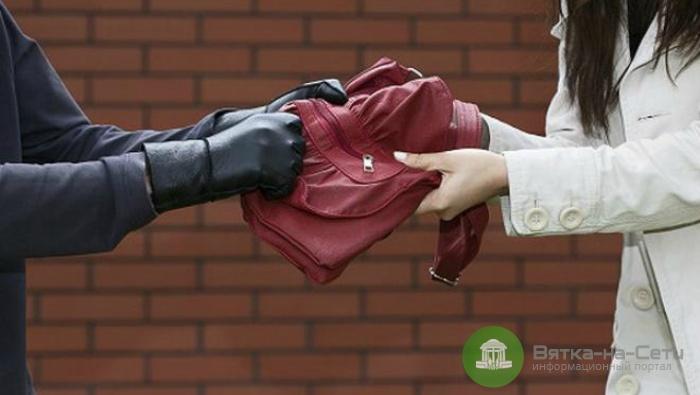 Житель Оричей ограбил слобожанку, приехавшую к нему на свидание