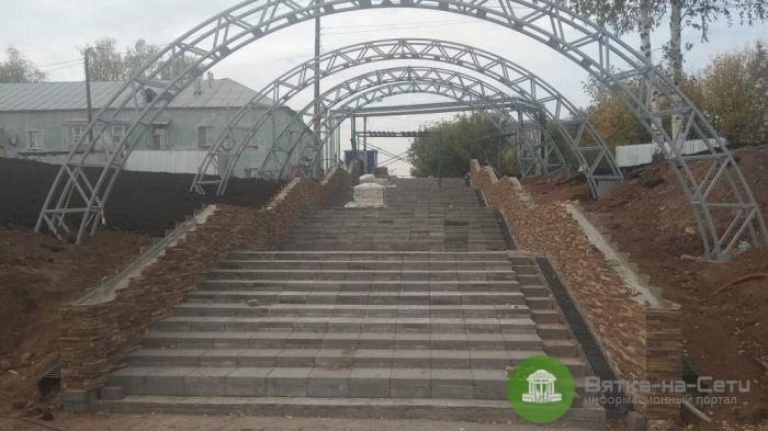 Реконстукция набережной в Нововяске близится к завершению