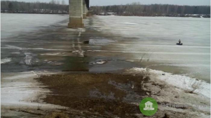 В Советском районе мужчина утонул, провалившись на мотобуксировщике под лед