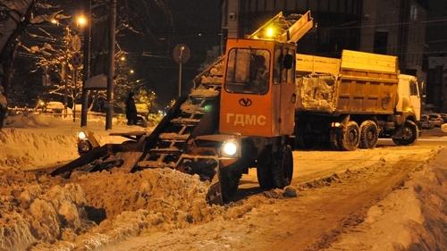 9500 кубометров снега вывезли с улиц Кирова за выходные