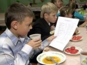 Школьное питание кировских школ  имело наценку в 65%