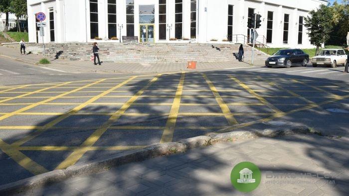 В Кирове на семи перекрестках появятся «вафельные» разметки