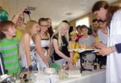 Фестиваль идей прошел для юных химиков