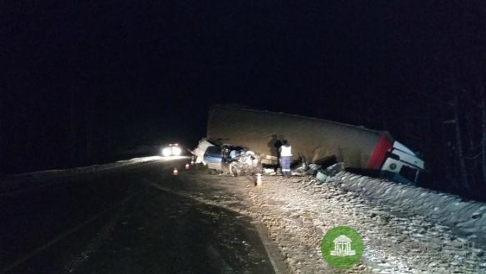 В ДТП с КамАЗом в Юрьянском районе погиб человек