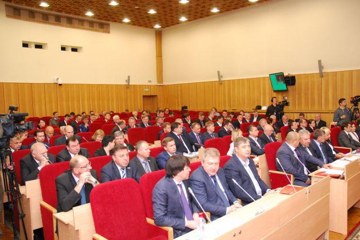 Три депутата нового созыва ОЗС сложили полномочия