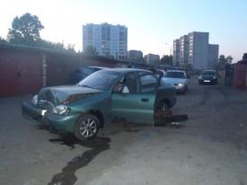 Chevrolet протаранил ВАЗ в гаражном кооперативе на ул.Физкультурников