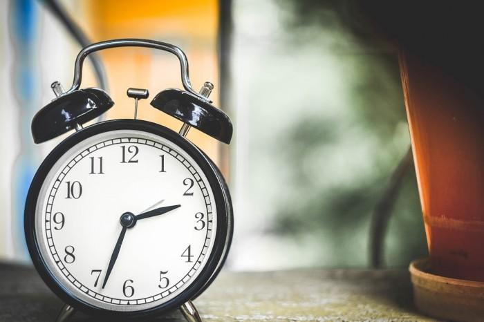 Депутаты рекомендовали отклонить законопроект о переводе часов в Кировской области