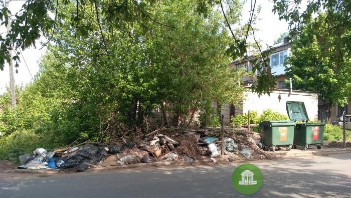 В Кирове проводят «горячую линию» о нарушениях при вывозе отходов