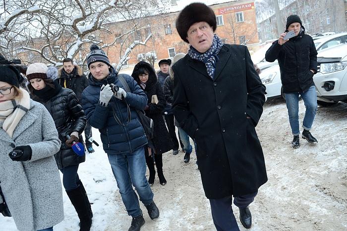 Врио губернатора вновь прошелся с рейдом по кировским улицам