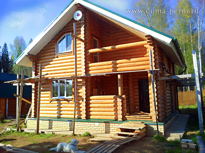 Дома из оцилиндрованного бревна — красота и практичность