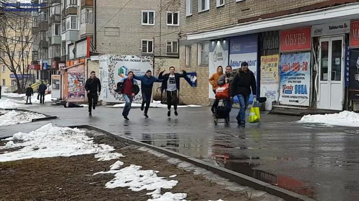 В Кирове подростки избили своего сверстника на глазах у прохожих