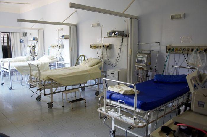 В майские праздники больницы будут работать по специальному расписанию