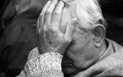 Пенсионер в Кирове  ограбил покупательницу в магазине